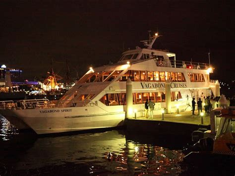 Choose from popular sydney harbour lunch & dinner cruises, with buffet dining. Christmas Day Dinner Cruise | Sydney, Australia - Official Travel & Accommodation Website