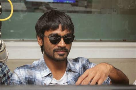 coogled actor dhanush   velai illa pattathari stills