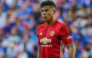 Manchester United Gembira, Marcos Rojo Kembali