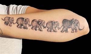 Tattoo Ideen Familie : elefant tattoo gibt ihnen kraft 25 faszinierende ideen tattoos zenideen ~ Frokenaadalensverden.com Haus und Dekorationen