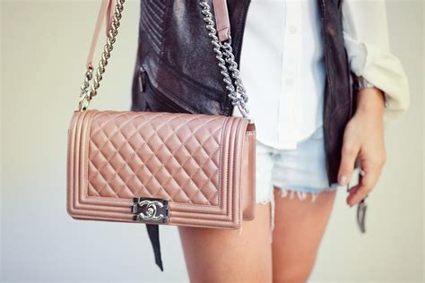 purse armory incomplete   chanel