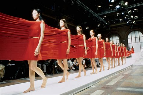 la chambre syndicale de la haute couture manorplace18 issey miyake progressive dress