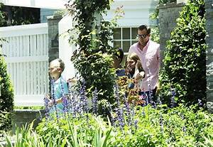 Steve Carell and Family Leave the House - Zimbio