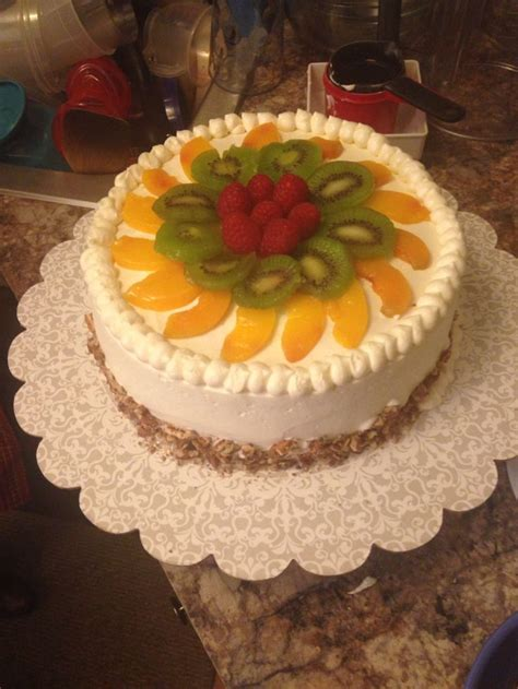tres lech cake  fruit   cakes pinterest