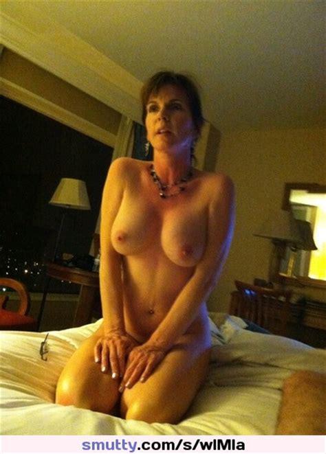 Amateur Nude Mom Milf Nicetits Submissive