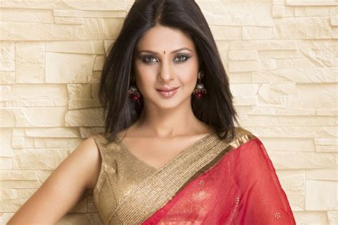 actress jennifer winget husband jennifer winget age son family tattoo height wiki and