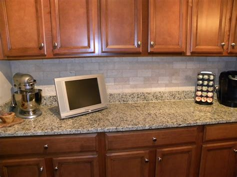 Simple Kitchen Backsplash : Special Glass Backsplash Tile For Kitchen