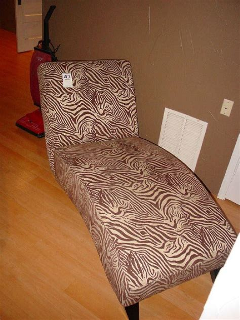 chaise zebre mathisi brothers brown and zebra print chaise lounge