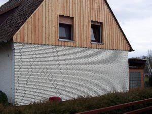 Außenwand Mit Holz Verkleiden : fassadenverkleidung aus holz und kunststoff framke ~ Watch28wear.com Haus und Dekorationen