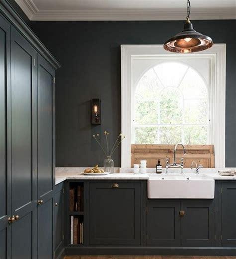 maison et cuisine cuisine gris anthracite 56 idées pour une cuisine chic