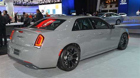 2017 Chrysler 300 Msrp by 2017 Chrysler 300 S News Reviews Msrp Ratings With