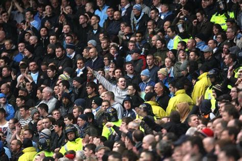 Derby day police on alert as United hooligans' football ...