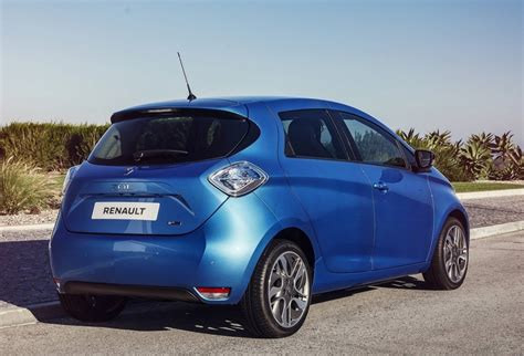 renault zoe 2018 2018 renault zoe now on sale for private buyers in
