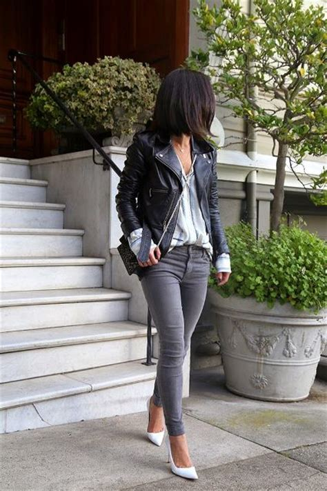Picture Of Absolutely Cool Outfits With Skinny Grey Jeans This Fall 12