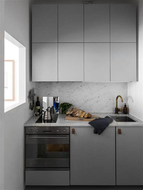 mini cuisine compacte cuisine compacte et chic en gris clair cuisines