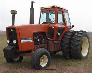 1974 Allis Chalmers 7040 Tractor