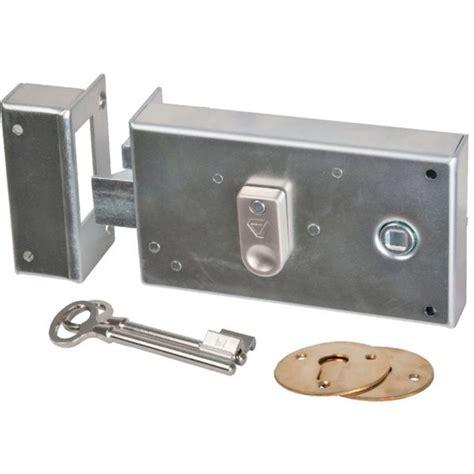 serrure de portail exterieur serrure applique exterieur vachette gauche portes grille portails