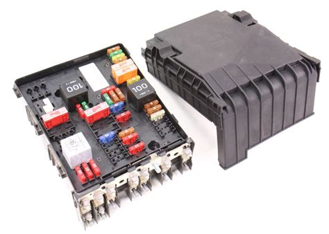 2006 A4 Fuse Box Number by Engine Bay Fuse Relay Box 06 08 Vw Passat B6 2 0t