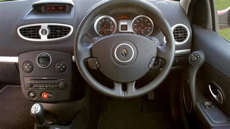 renault clio 2007 interior renault clio hatchback 2005 2012 review carbuyer