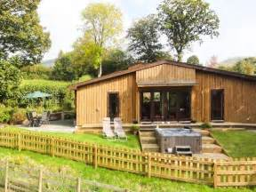 Log Cabins With Tubs Wales by Rhayader Log Cabin With Tub Sycamore Lodge 2017 Deals