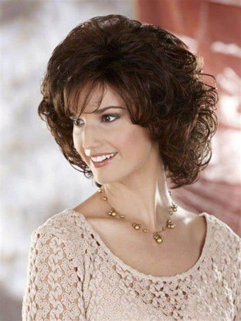 Here are the best medium length hairstyles for round faces. Medium Length Curly Hairstyles For Round Faces