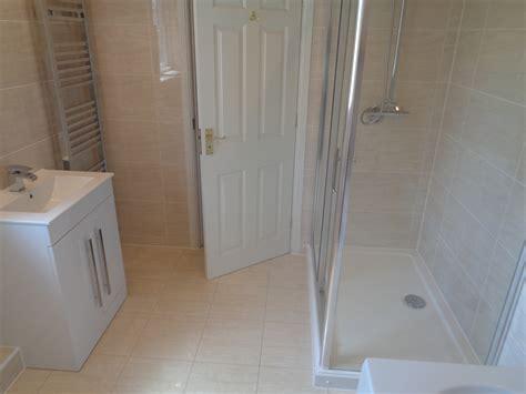 ensuite  straight bath  large shower enclosure