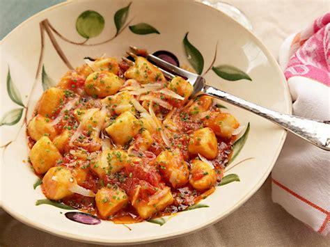 Food Recipes : Quick And Easy Homemade Ricotta Gnocchi Recipe