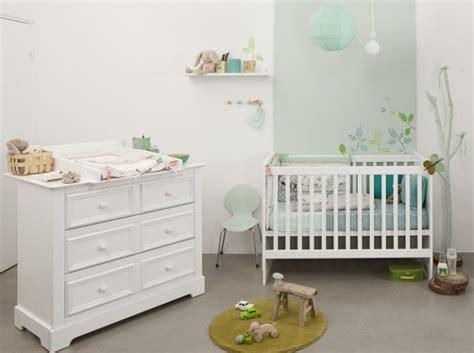quelle décoration chambre bébé blanc