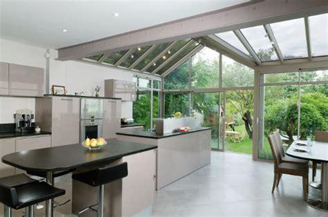 cuisine avec veranda la cuisine s ouvre sur le jardin le d 39 arthur bonnet