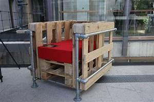 Sessel Aus Paletten : le corbusier lc2 sessel mit palettenmobel aus paletten ~ Whattoseeinmadrid.com Haus und Dekorationen