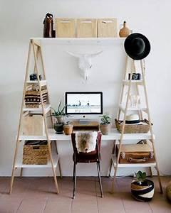Planche De Bois Pour Bureau : diy d co r alisez un bureau super sympa avec des chelles en bois et des planches ~ Teatrodelosmanantiales.com Idées de Décoration