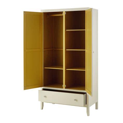 Ein kleiderschrank mit schiebetüren wirkt optisch elegant und dezent. Kleiderschrank aus Holz, elfenbeinfarben, L95 Alix   Maisons du Monde