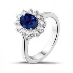 verlobungsringe saphir diamantene verlobungsringe aus platin entourage ring baunat