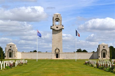 Résultat d'images pour villers bretonneux memorial
