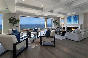 Southern California beach house with a fresh take on