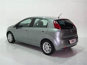 Fiat Punto 1 4 Attractive 8v Flex 4p Manual 2011  2011