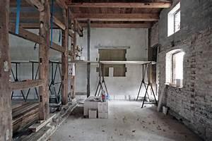 Garage Als Zimmer Umbauen : vom stall zum zimmer umbau des wirtschaftsteils eines ~ Lizthompson.info Haus und Dekorationen