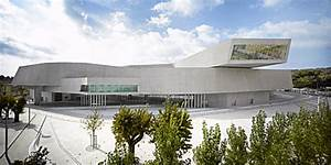 Zaha Hadid Bauwerke : zaha hadids maxxi ist offiziell bestes geb ude der welt detail magazin f r architektur ~ Frokenaadalensverden.com Haus und Dekorationen