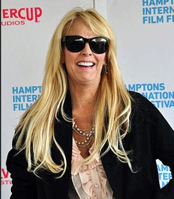 His body weight is 132 lbs and 60 kg. Dina Lohan Height   Stars Height