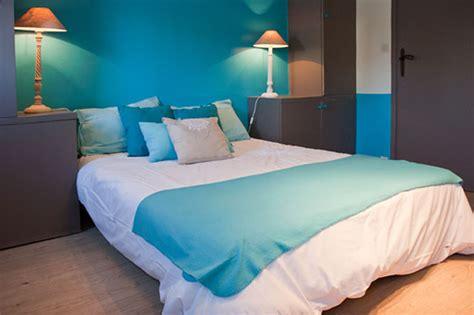 hotel dans la chambre normandie chambre en bleu et blanc