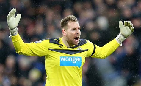 Newcastle goalkeeping coach gives update on Rob Elliot ...