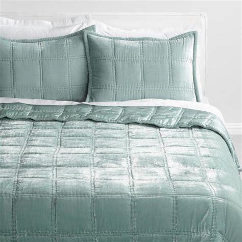 Green Jadeite Luxe Velvet Quilt   World Market