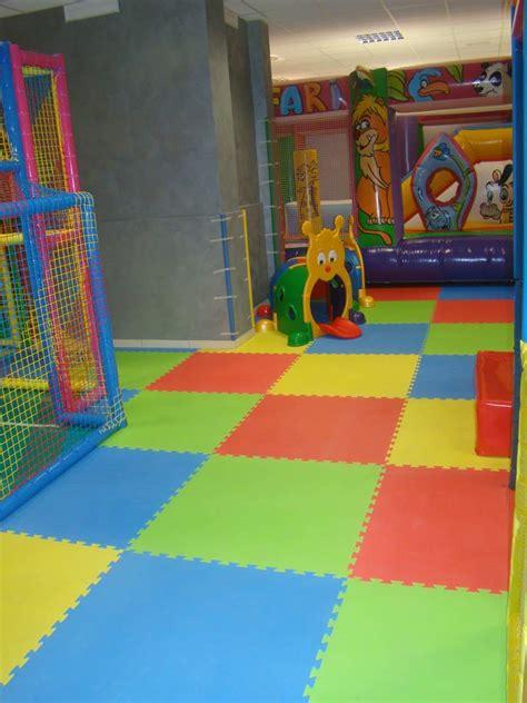 tappeti antitrauma per bambini pavimentazione antitrauma per interno