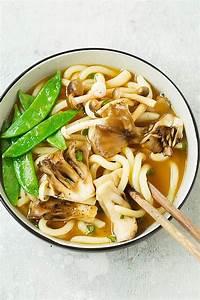 tazón de sopa de fideos udon listo para servir recetas