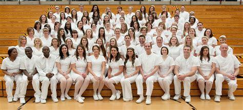 graduates welcomed   nursing profession