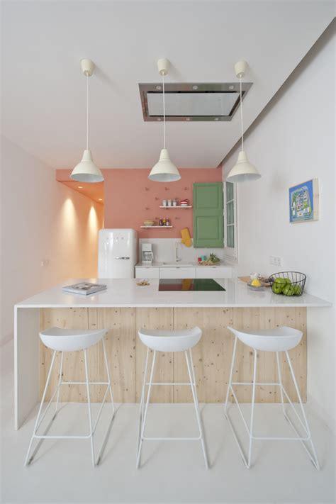 hauteur table cuisine cuisine avec table hauteur plan de travail