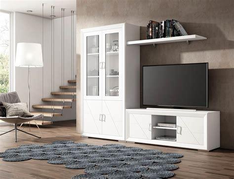 muebles de gran calidad en madera  vitrina  mesa tv en