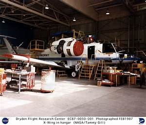 X-Wing EC87-0050-001: X-Wing Research Vehicle in Hangar