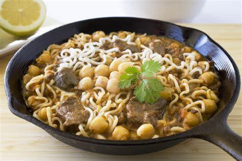 cuisine orientale pour ramadan nourriture marocaine harira image stock image 25319761