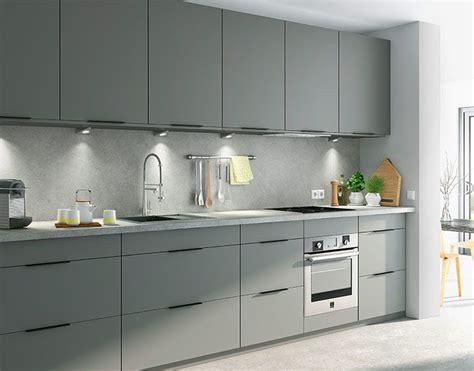 meuble de cuisine castorama la cuisine poivre grise ajoute une note poivr 233 e pour une cuisine de caract 232 re d 233 co gris